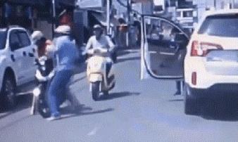 Đồng Nai: Mời tài xế đánh phụ nữ chở con nhỏ mùng 1 Tết lên làm việc