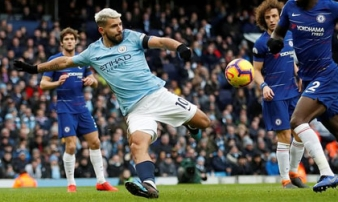 "Aguero ""lên thần"", Man City thảm sát Chelsea 6-0"