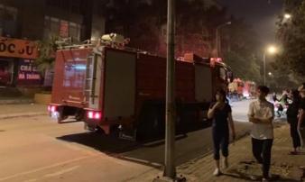 Hà Nội: Cháy lớn ở chung cư vào lúc nửa đêm