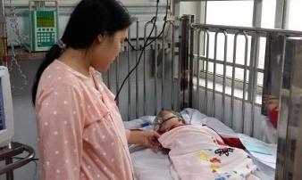 30 trẻ nằm viện điều trị do cúm, nếu thấy dấu hiệu này cẩn thận con bị viêm não