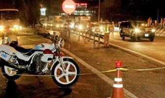 Người phụ nữ bị xe tải tông tử vong trên cầu Mỹ Thuận