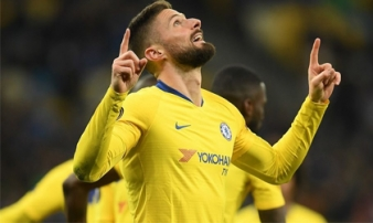Giroud lập hat-trick, Chelsea đoạt vé tứ kết Europa League