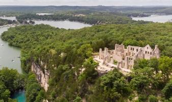 Những lâu đài cả triệu đô bị bỏ hoang khiến du khách tiếc hùi hụi