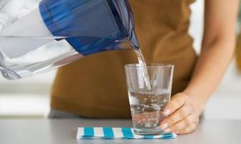 Uống nước đun sôi để nguội sinh ra chất gây ung thư: Đúng hay sai?