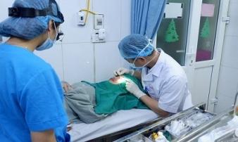 Nữ sinh 19 tuổi bị chảy máu mắt suốt 8 tiếng vì đi spa cắt mí
