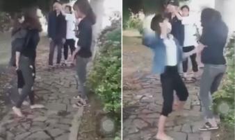 Xôn xao clip 2 nữ sinh lớp 10 đến trường uy hiếp, 'xử' bạn vì… thích là đánh!