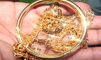 Người làm thuê trộm 2 kg vàng của chủ tiệm kim hoàn