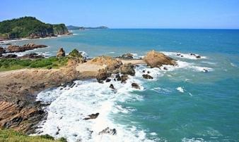 Đến Quảng Ninh đừng lỡ hẹn Quan Lạn với bãi cát như dải lụa hồng