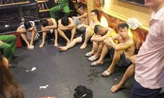 Công an đột kích phát hiện nhiều chân dài cùng thanh niên dùng ma tuý bay lắc điên cuồng trong quán karaoke