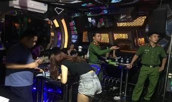 32 thanh niên chơi ma tuý trong phòng VIP quán karaoke