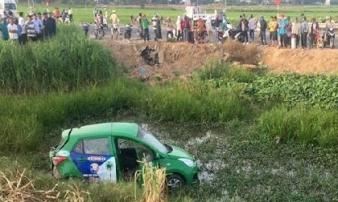 Tàu hỏa tông taxi, 2 người tử vong tại chỗ