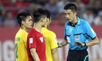 Lỡ hẹn VAR, V-League 2019 lại 'cầu cứu' trọng tài ngoại