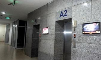 Gã đàn ông thừa nhận dâm ô bé gái trong thang máy