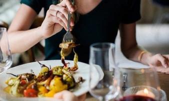5 kiểu ăn uống 'phá nát' gan, huỷ hoại nội tạng mà rất nhiều người Việt đang mắc phải mỗi ngày