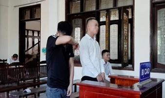 Kẻ đánh bác sĩ đang khám bệnh ở BV Vinh có án tích giết người, bị tuyên 33 tháng tù