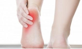 Thấy gót chân bị đau kiểu này, hãy cảnh giác vì căn bệnh nguy hiểm đang 'gõ cửa'