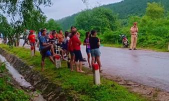 Phát hiện thi thể người đàn ông đang phân hủy bên bụi tre ở Nghệ An
