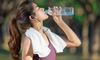 Uống nước xong thấy có dấu hiệu này, hãy cảnh giác ung thư 'gõ cửa'