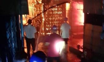 Bình Phước: Chợ Bình Long cháy trong đêm