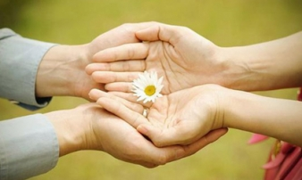 Phật dạy: Cuộc sống có 2 loại nhờ vả cần tránh xa kẻo làm ơn mắc oán