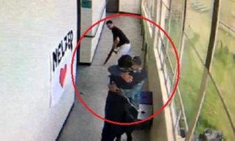 Thầy giáo tay không tước súng học sinh, ngăn thảm kịch giữa lớp