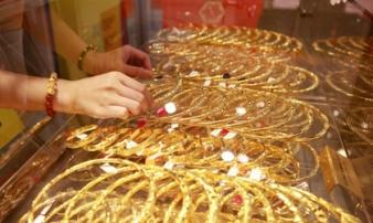 Giá vàng hôm nay 16/2: Thế giới 'chao đảo' vì corona, giá vàng vọt tăng mạnh