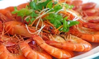 5 sai lầm khi ăn tôm biến món ăn thành chất độc, nguy hiểm nhất là điều số 2