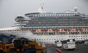 Hai hành khách nhiễm virus corona từ du thuyền ở Nhật tử vong