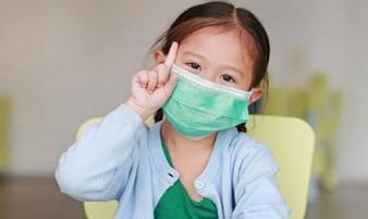 Việc bố mẹ cần làm mỗi ngày để phòng tránh lây nhiễm virus Covid-19 cho trẻ
