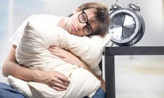 Thói quen tai hại khi ngủ dậy buổi sáng 'phá nát gan' nhanh gấp nhiều lần ung thư