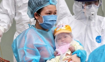 Mẹ của bé 3 tháng tuổi nhiễm Covid-19: Mong con gái sau này làm bác sĩ