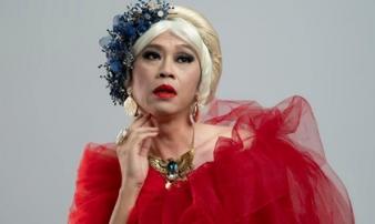 Danh hài Hoài Linh lên tiếng về nghi ngờ giới tính, kể chuyện vợ cũ không thích trang điểm, phấn son