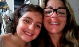 Bắt khẩn cấp cha và mẹ kế sau khi tìm thấy thi thể cô bé 9 tuổi giữa đồng