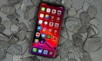 Loạt smartphone xách tay giảm nửa giá sau một năm về Việt Nam