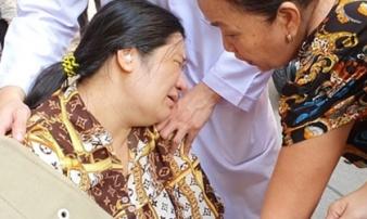 Nam sinh bị cây đè tử vong: Mẹ vừa sinh em bé 2 ngày, đau đớn về nhà nhìn mặt con lần cuối