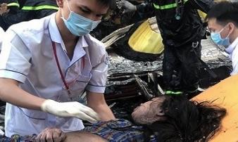 Cứu 7 người trong căn nhà bốc cháy ở TP.HCM lúc rạng sáng