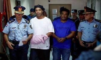 Anh em Ronaldinho tiếp tục bị giam giữ tại Paraguay