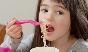 Sai lầm khi cho con ăn bữa sáng gây béo phì suy thận, nhất là loại thứ 3