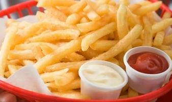 Nếu không muốn con mắc tim mạch, thì chớ dại cho bé ăn 5 loại thực phẩm này