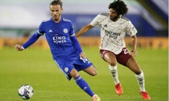 Arsenal hạ gục chủ nhà Leicester bằng bàn đá phản League Cup