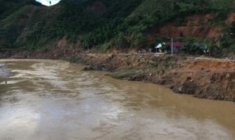 Lội qua sông, người phụ nữ ở vùng cao Quảng Nam bị nước lũ cuốn trôi