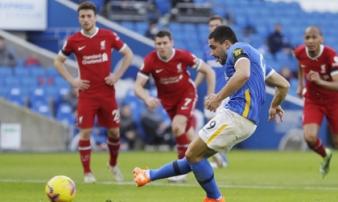 3 lần bị VAR ngăn cản, Liverpool đánh rơi chiến thắng ở phút cuối cùng