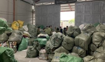 Nữ 9X làm chủ kho hàng chứa 28,3 tấn quần áo 'sida' nhập lậu