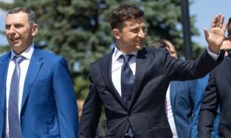 Phụ tá Tổng thống Ukraine bị tấn công ám sát - 10 phát đạn liên tiếp găm vào xe