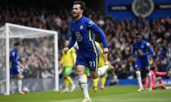 """""""Tàn sát"""" đối thủ bằng cơn mưa bàn thắng, Chelsea củng cố ngôi đầu Premier League"""