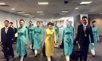 Nhà thiết kế Việt mổ xẻ đồng phục mới của Vietnam Airlines