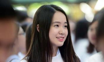 Nữ sinh Phan Đình Phùng rạng rỡ ngày khai giảng