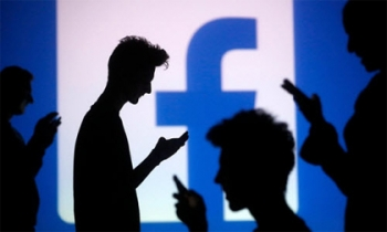 Facebook và những trò lố đố ai tránh khỏi