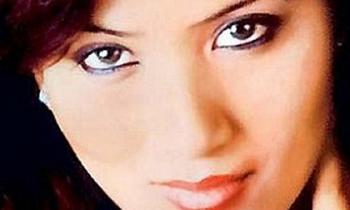 Lỡ khoe gia thế giàu có, nữ diễn viên bị sát hại như phim kinh dị