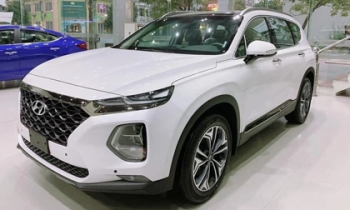 "Hyundai SantaFe xả kho giảm 150 triệu đồng, ""dằn mặt"" Toyota Fortuner, Ford Everest"